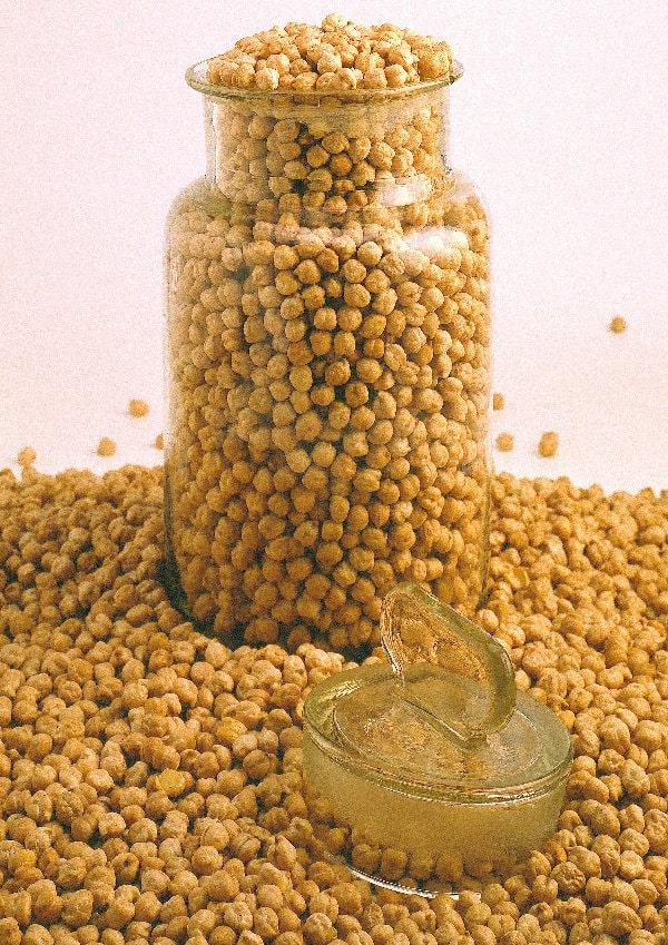 la-riserva-del-re-legumi-sicilia-produzione-ceci-neri-4-min.jpg