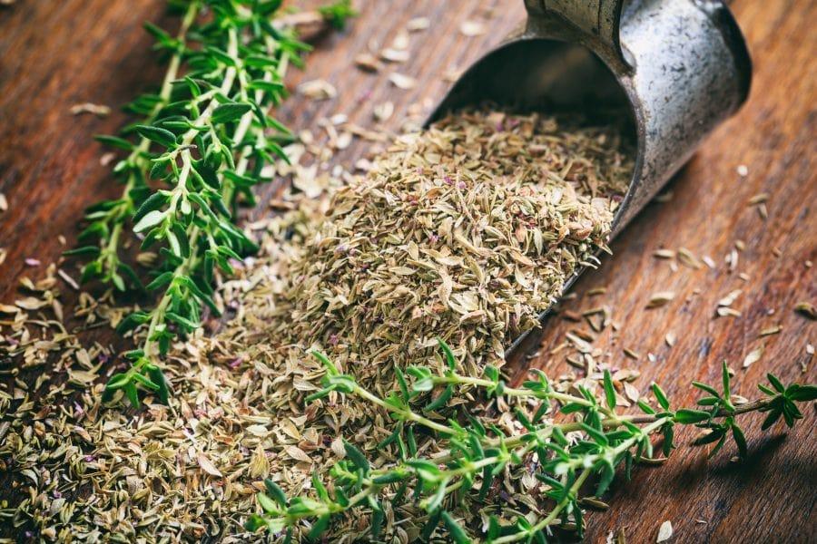 feudi-del-riccio-vendita-erbe-essiccate-la-riserva-del-re-min.jpg